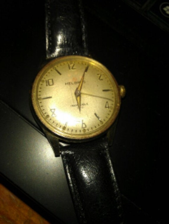Vintage Men s  Helbros Invincible Wind Up Wrist Watch....Very Nice...