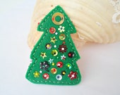 Christmas Tree Pin - Christmas Gift - Embroidered green Felt Brooch - Green Felt - Free shipping