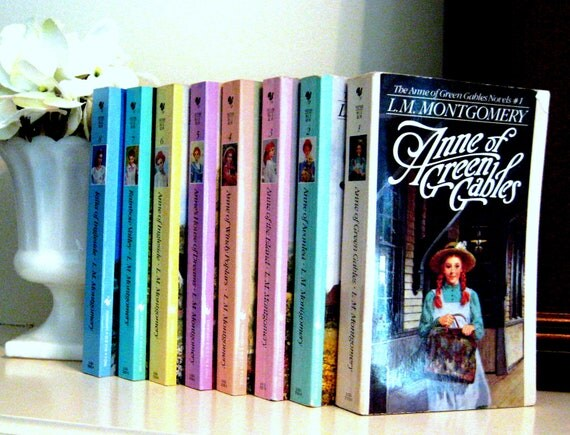 Anne of Green Gables, L.M. Montgomery, complete set of 8 paperback,Vintage children's books, color cover books