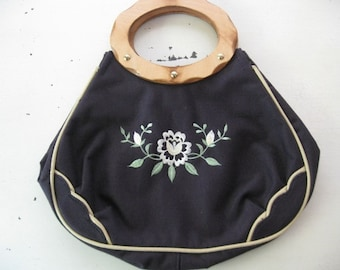 vintage. CANVAS. embroidered. FLOWERS. navy. PURSE. 1970s. wooden handle.