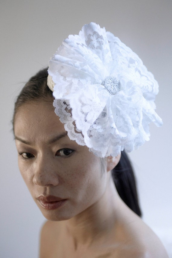 Off White Lace Flower Fascinator
