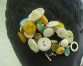 Vintage Button Bracelet - White, yellow and aqua Vintage Button Bracelet