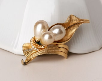 Vintage DeNicola Faux Pearl Gold Tone and Rhinestone Brooch