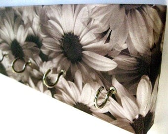 "Daisy Jewelry Holder Flower Kry Rack Black and White Daisies, Flowers, Sunflowers, Silhouette, Gray, Charcoal, Garden, Floral Blooms ""Daisy"""
