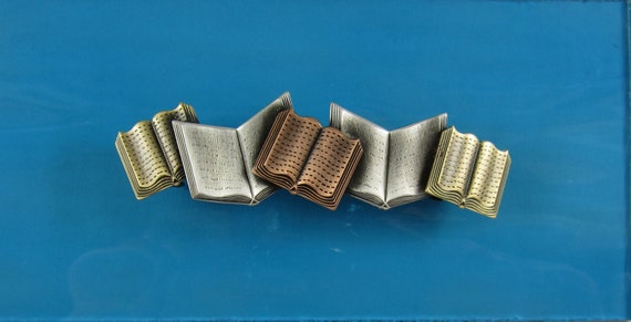 Books Hair Barrette