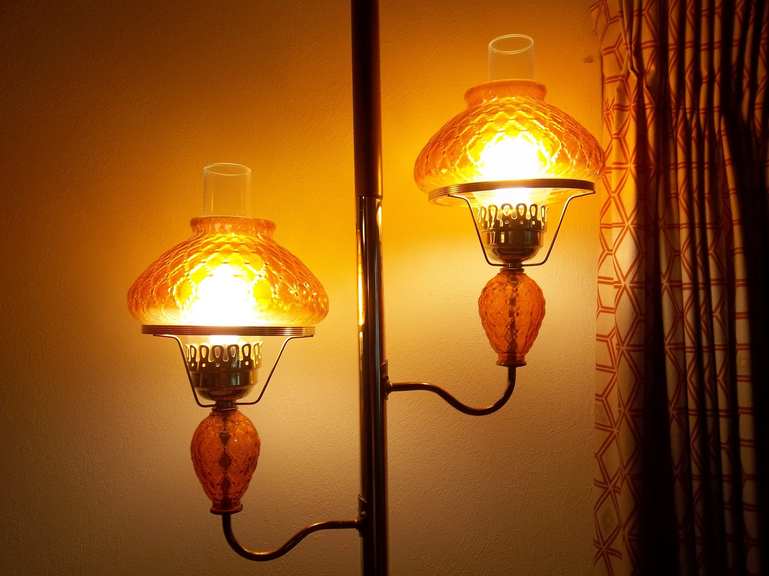 Vintage Tension Pole Lamp 2 Double Hurricane Amber Shade