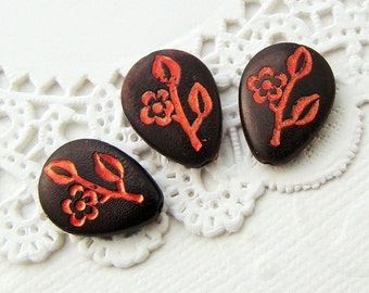 Vintage Black & Red Floral Carved Teardrop Beads 15x11mm Plastic (6)