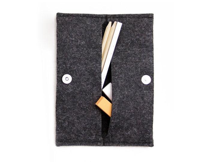 W1001 Wool Felt Folding Pouch