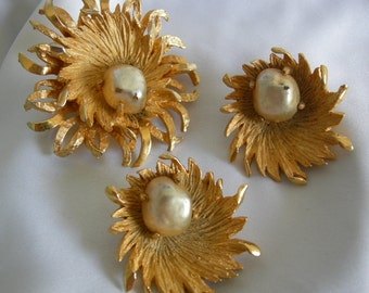 Gold Tone and Faux Pearl Demi Parure Brooch and Earrings - Signed BENEDIKT NY - Vintage 1955 - 1973