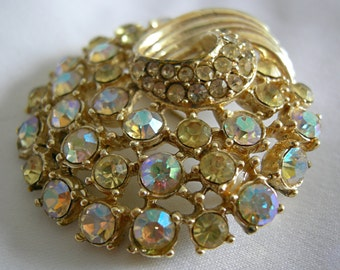 Aurora Borealis and Clear Rhinestone Gold Tone Brooch Pin - Unsigned - Vintage