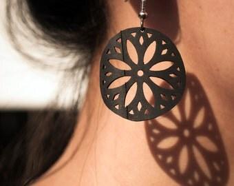 Alluring bike tube jewelry Black medallion Flower earrings