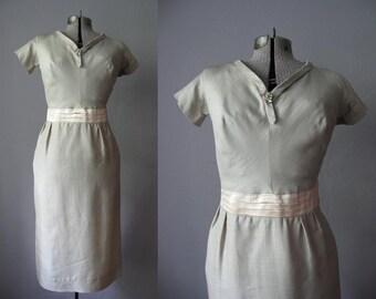 1950s Vintage Dress Beige Silk 50s Wiggle Dress Satin Cummerbund Rhinestone Brooch / Large