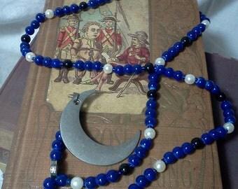 Moon prayer beads