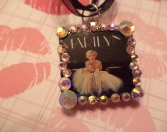 Marilyn Monroe necklace,Marilyn Monroe glass necklace,Glass necklace