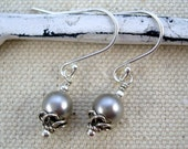 Light grey pearl and sterling silver vintage style earrings by Cerise Jewelry