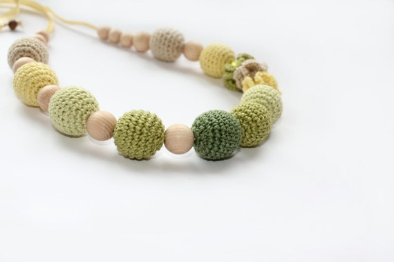 Nursing teething necklace in green colours - Teething necklace with crochet beads - Nursing Breastfeeding Mommy