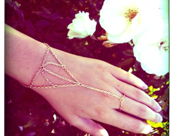 Gold Web Chain Hand Harness