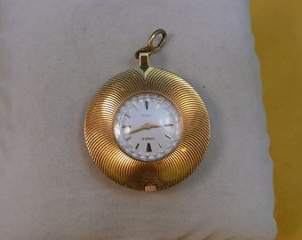 """Ussr (Soviet Union)  """"CHAICA""""  GOLD plated  Pendant 17 jewels lady  wrist watch 1970  very rare PERFECT"""