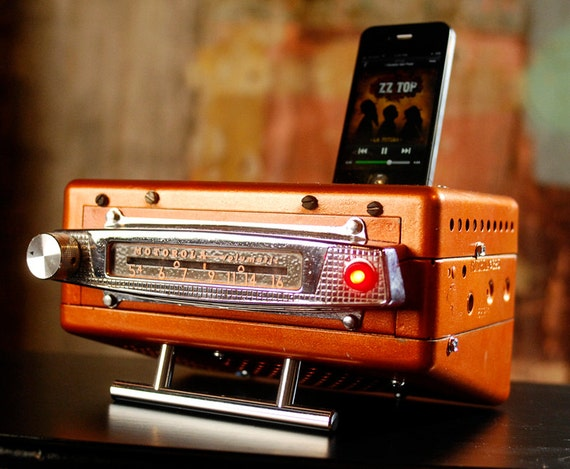 ipod iphone charging station with speakers from vintage car radio