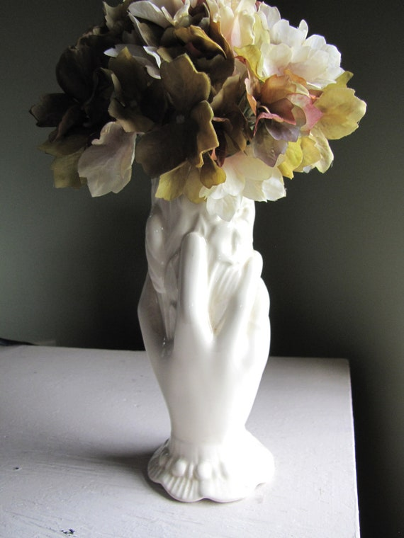 Beautiful Vintage Victorian Hand Vase/Wedding/Anniversary/Table Accent