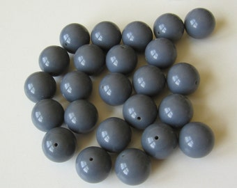 10 Vintage gray plastic beads from Mexico