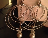 Handmade Four Atom Outer Ring Silver Diamond Chain Pearl Pendleum Earrings