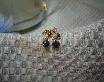 Ceylon Sapphire Dangle Earrings in 10 kt and 14 kt Solid Gold