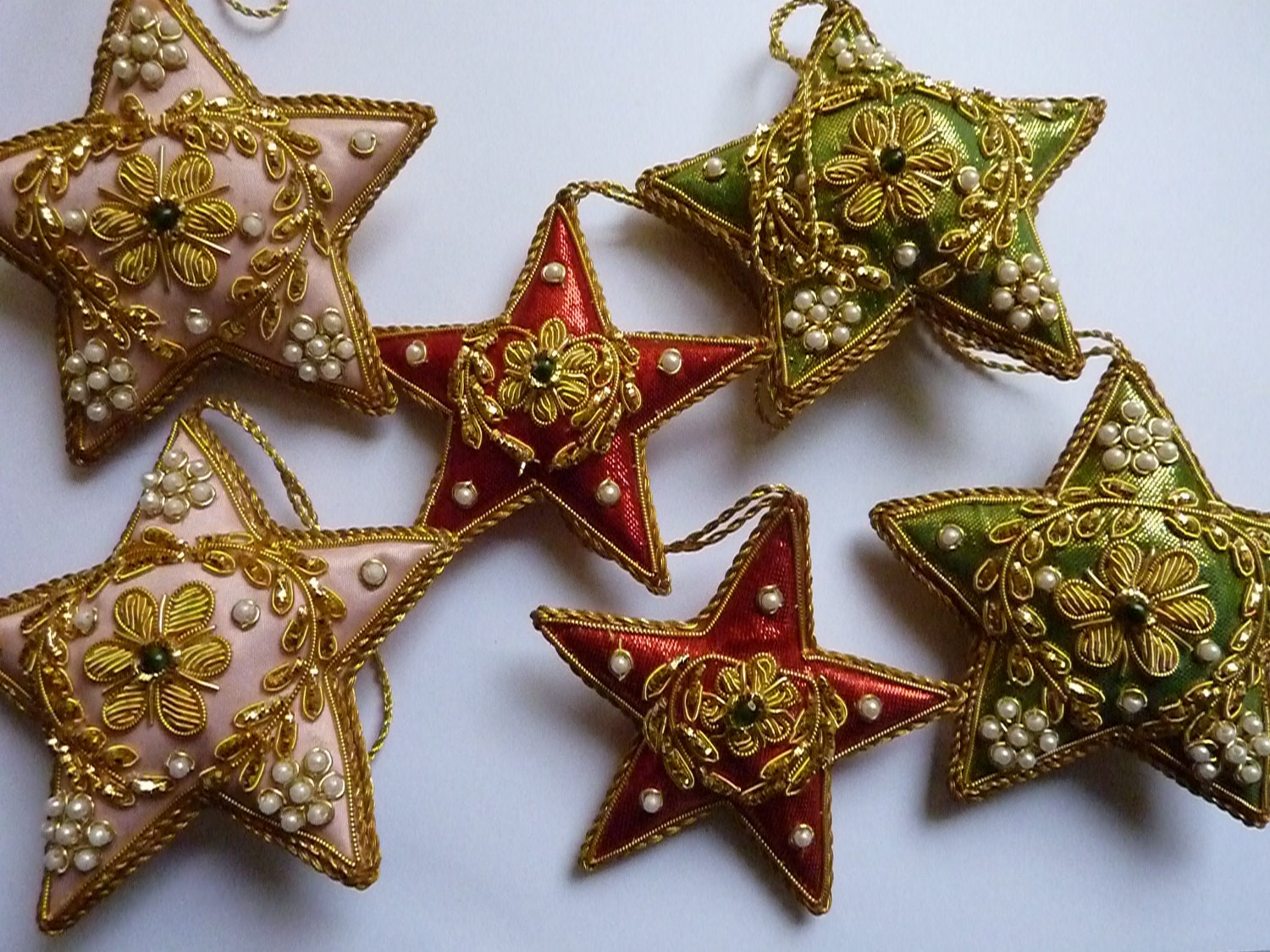 Vintage christmas decorations indian beaded by pinkneonvintage for Antique christmas decoration