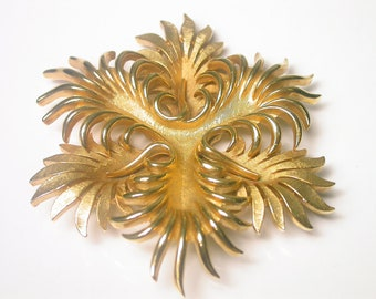 Vintage Trifari Gold Tone Brooch //// SOLD IN STORE 12/24/14 ////