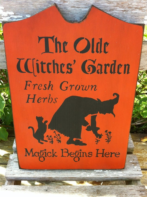 The Olde Witches' Garden Halloween Sign