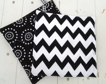 Chevron Potholders Black and White Chevron With Black and White Circles on Reverse