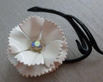 SALE Vintage Womens Mod Retro 1960s Black and White Graphic Flower Rhinestone Pin Brooch