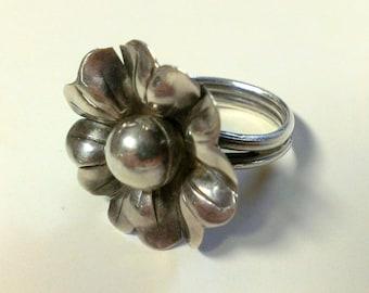 Vintage Artisian Silver Flower Ring Size 7
