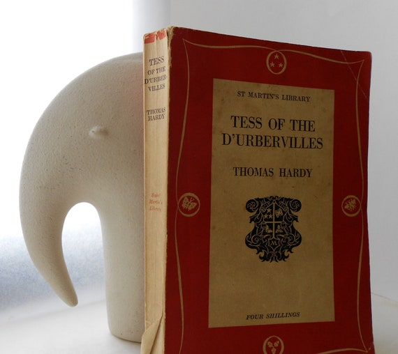 Tess of The d'Urbervilles - Thomas Hardy - Vintage Paperback - Tragedy, Romance