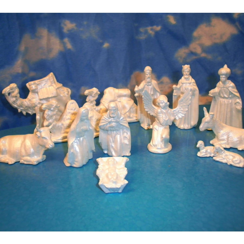 White Ceramic Nativity Set 14 pieces by BelovedBygones on Etsy