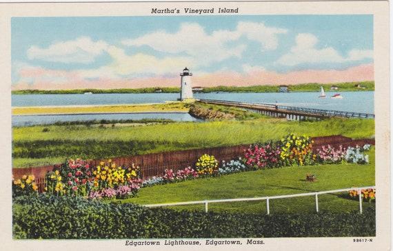 SUPER SALE Martha's Vineyard ISLAND, Edgartown Lighthouse, Edgartown, Mass. Vintage Unused Postcard, 1940s
