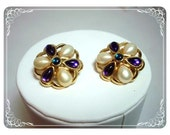 Trifari Signed  Earrings - Purple and Pearl Clip on Flowers   E288-04081200