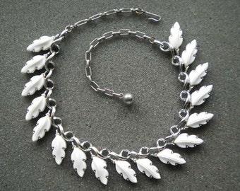 Vintage Molded White  Plastic Leaf motif Choker Necklace c1960