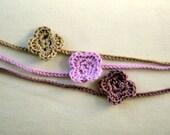 HÄKELHALSKETTE, 100% Baumwolle, rosa, violett und beige, Geschenk für Mädchen, Hersteller NuraNanu, Neuware