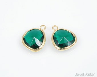 2pcs - Emerald Color and Polished Gold Framed Glass Pendent / emerald / green / 16k gold plated / glass / 13x16mm / SEMG001-P