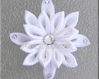 WHITE Snowflake Hair Clip, Snowflake Hair Bow, Winter Hair Bow, Kanzashi Hair Clip, Kanzashi Hair Bow