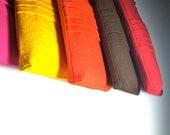 Set of 5 Custom Bridesmaid Wristlet Clutch // Ruffle Pleated Canvas // You Pick Colors