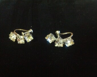 Beautiful Vintage Sterling silver and Rhinestone screwback earrings
