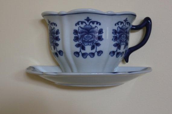 Vtg. One piece Tea Cup & Saucer Wall Pocket Vase White W/ Blue Flower