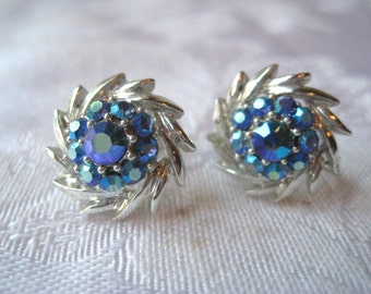 Blue rhinestone earrings, vintage blue rhinestone, screw back