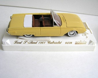 Vintage collectible Ford 1961 T-bird Cabriolet convertible, Solido 4504, yellow, lemon colour, convertible