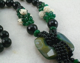 green agate and black onyx necklace