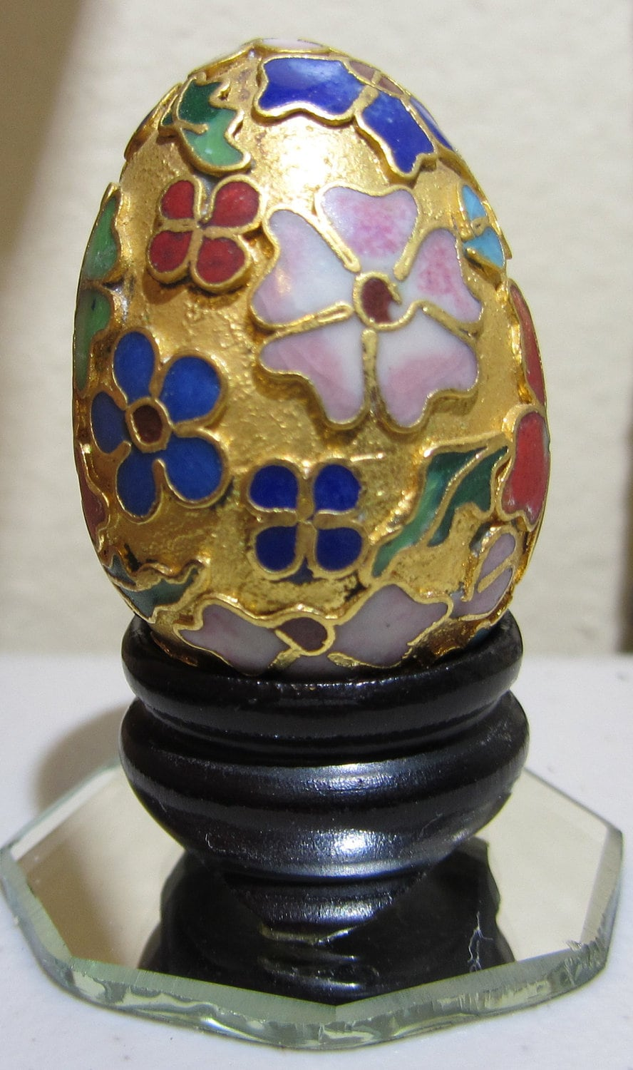 Cloison Stand Of Vintage Cloisonne Egg On Wooden Stand