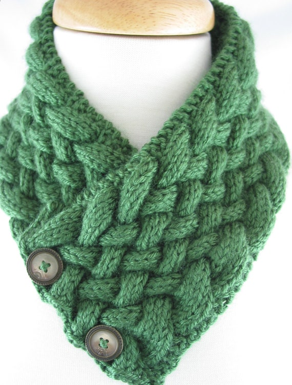 Items similar to Hand knit Neck Warmer Vintage ButtonCaron ...