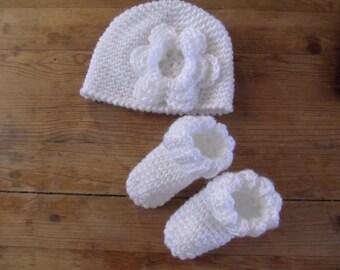 Pretty Little Newborn Hat and Sock Set